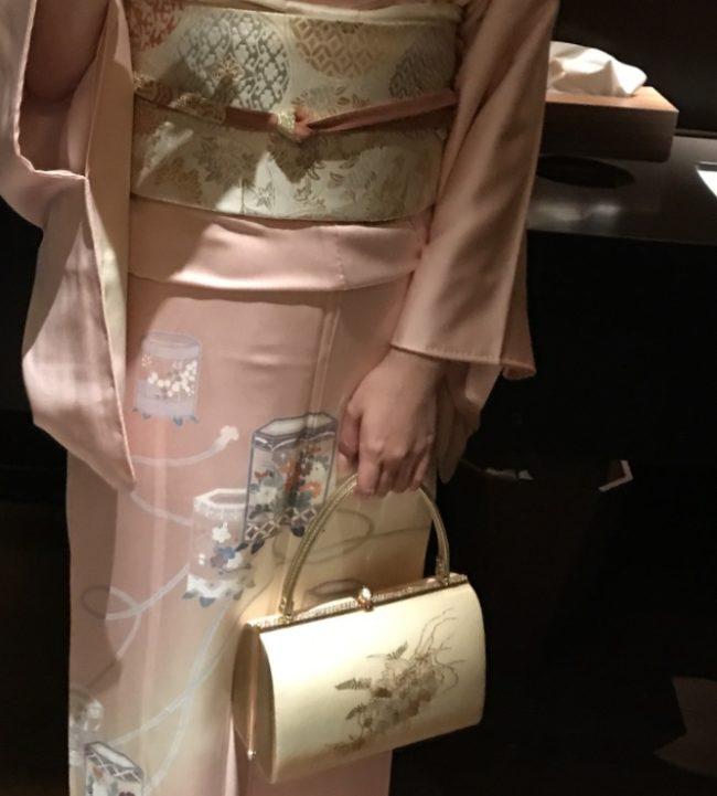 着物のバッグは小ぶりが鉄則
